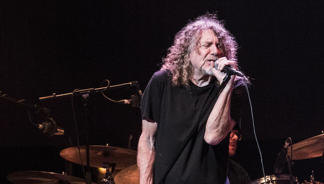 """Robert Plant Was Once Asked By Label President To Stop Doing """"Weird S--t"""""""