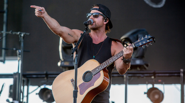 iHeartCountry - Kip Moore Drops Highly Anticipated New Single 'She's Mine'