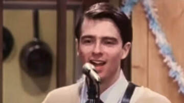 Trending - 10 Of Weezer's Classic Music Videos Remastered In HD