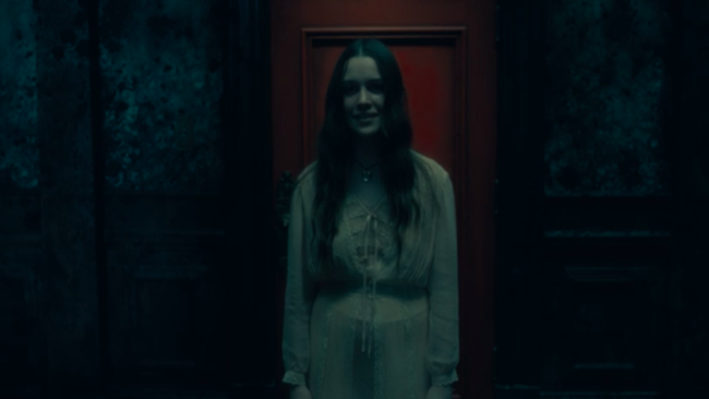 Haunting of Hill House Creator Teases 'Much Scarier' Second Season