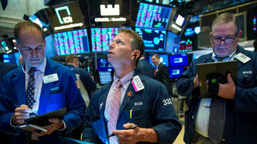 Politics - Wall Street Slides As Key Recession Indicator Flashes Warning