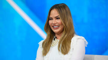 Entertainment News - Chrissy Teigen Got Botox In Her Armpits To Stop Sweating