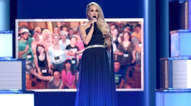 Carrie Underwood Has 'Full Circle Moment' Singing With Hero Bryan White