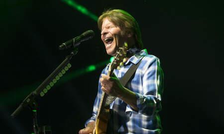 Rock News - John Fogerty Says The Grateful Dead's Woodstock Set 'Sabotaged' CCR