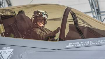 National News - Former Helicopter Pilot Becomes 1st Female Marine to Pilot F-35 Jet