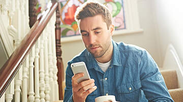 """Local News - Man's First Date Asks Him To Enable """"Read Receipts,"""" Internet Goes Nuts"""