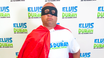 Elvis Duran - Captain Do-Good Brings Doughnuts To The NYPD