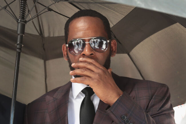 R Kelly Returns To Court For Hearing On Aggravated Sexual Abuse Charges
