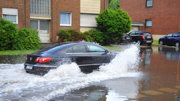 Angelina - Water Main Break in Vallejo Leaves Cars Flooded and Apartments w/ No Water!
