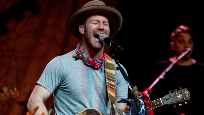Drake White Rushed To Hospital After Nearly Collapsing On Stage