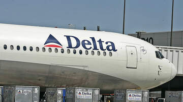 National News - Delta Flight Delayed For Eight Hours Gets Ugly