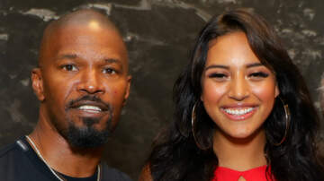 Entertainment - Jamie Foxx Denies Dating Sela Vave Following Split From Katie Holmes