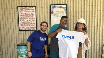 En TUs Calles - TU 94.9 at Winn Dixie with Zico Coconut Water 8.18.19