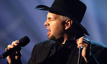 Music News - Garth Brooks To Receive Compassion Award