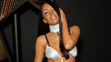 Entertainment - Aaliyah's Wax Figure Unveiled At Madame Tussauds — See The Pics