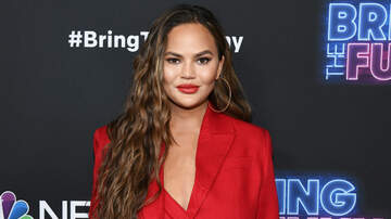 iHeartRadio Music News - Chrissy Teigen Claps Back At Troll Who Tells Her To Wear A Bra