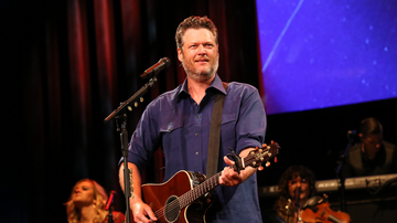Headlines - Watch Blake Shelton's Live Debut Of 'Hell Right' In The Rain