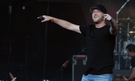 iHeartCountry - Cole Swindell Drops New Song 'Down To Earth'