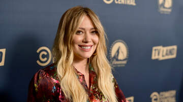 Gabby Diaz - Hilary Duff just Announced that Lizzie McGuire is COMING BACK!