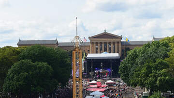 Off The Air: Johnny - Parking Restrictions for Made In America Fest