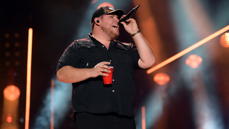 Luke Combs Announces Touching New Single, 'Even Though I'm Leaving'
