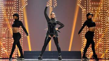 iHeartRadio Spotlight - Rosalia & Ozuna Play Partners-In-Crime During 2019 MTV VMA Performance