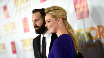 Sisanie - Katherine Heigl Sings Cheer While Taking Daughters To First Day Of School