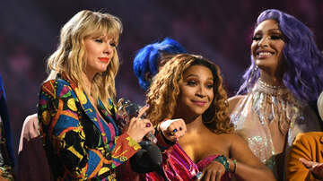 iHeartRadio Spotlight - Taylor Swift Refused To Perform At VMAs Unless MTV Awarded Drag Queens, Too