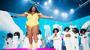 iHeartRadio Spotlight - Lizzo Admits Rihanna Sent Her Some NSFW DMs Applauding Her VMA Performance