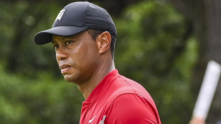Tiger Woods Has Minor Knee Surgery, Expects To Play In October   iHeartRadio