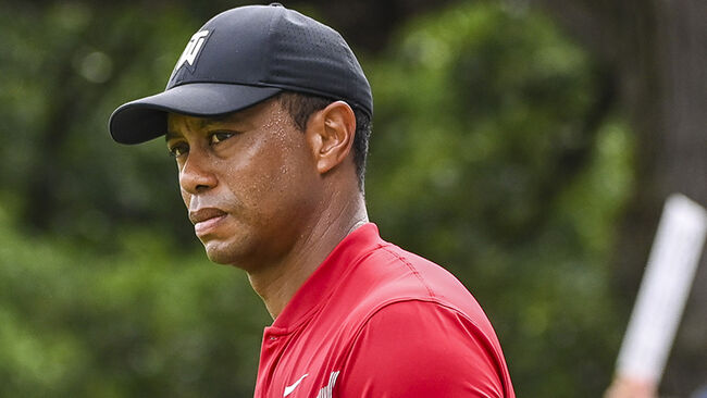 Tiger Woods Has Minor Knee Surgery, Expects To Play In October