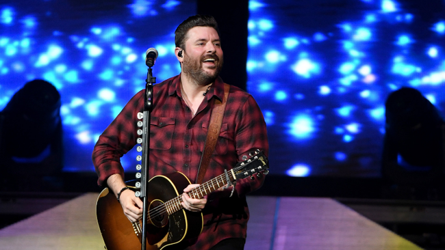 Chris Young Announces Heartfelt New Single 'Drowning'