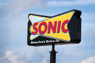 How To Get $1 Hot Dogs At Sonic This Week