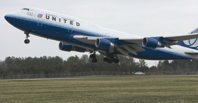 United Airlines flight #897, a Boeing 74