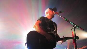 Austin James - Tyler Farr and Lainey Wilson at Texas Club concert pictures!