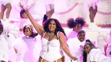 Ashley Nics - Lizzo Freaks Out After JayZ & Beyoncé Watch Her Made in America Performance
