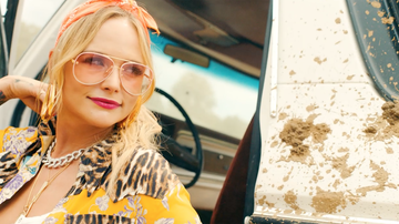 Lindsey Marie - Check Out The Video For Miranda Lambert's 'It All Comes Out In The Wash'!