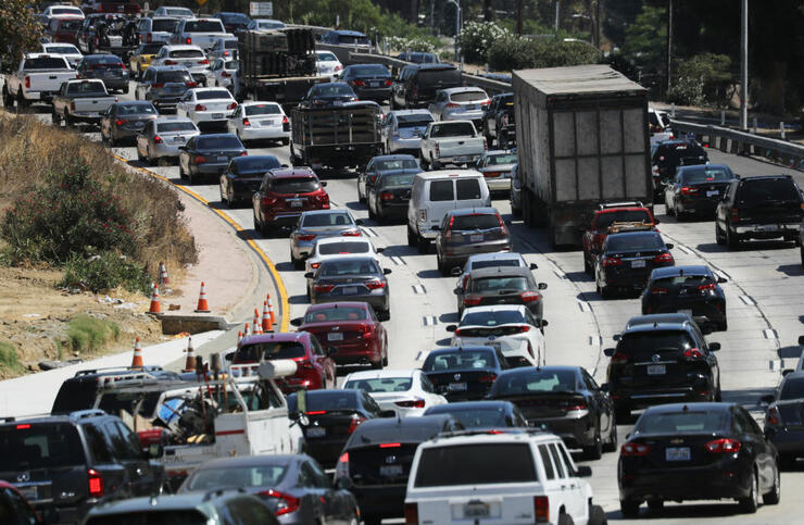 Traffic Builds As Travelers Hit The Road Ahead Of Labor Day Weekend