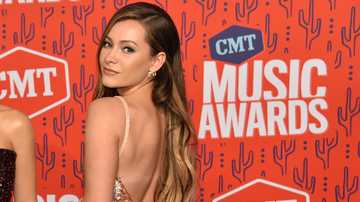 Women of iHeartCountry - Maddie & Tae's Tae Dye Announces Engagement To Josh Kerr