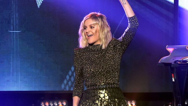 Kelsea Ballerini Announces New Single, 'Homecoming Queen?'
