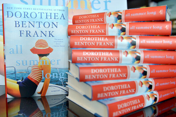 Dorothea Benton Frank Book Signing  (Getty Images)