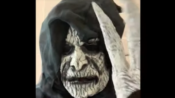 Johnjay And Rich - WATCH: Dad Scares His Kid's Nanny By Wearing Scary Mask