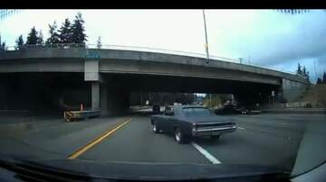 Lee Callahan - Muscle Car Falls Off Trailer and Careens Across I-5 In Everett [VIDEO]