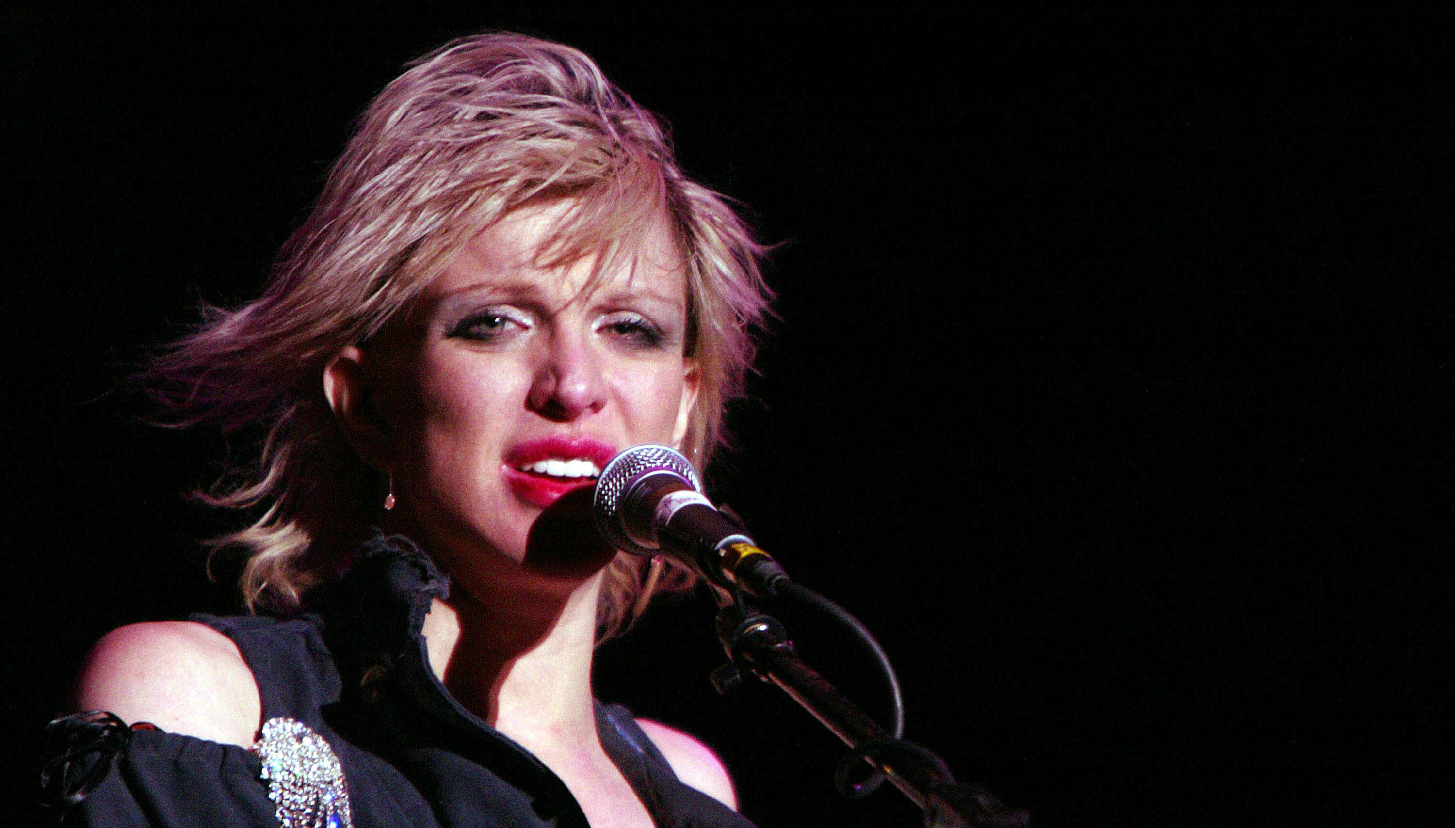 Producer Explains Why Courtney Love Was Great To Work With In The Studio
