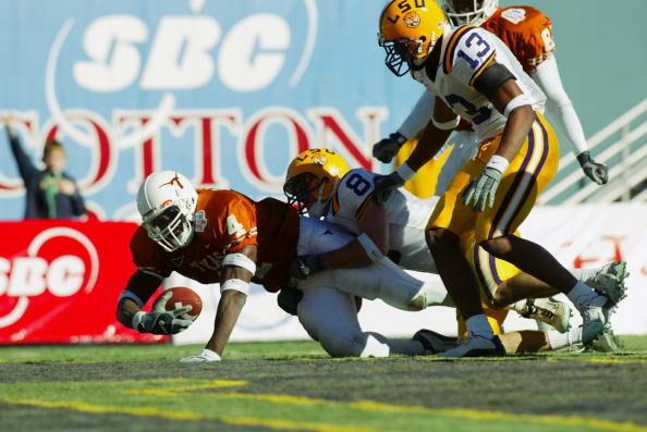 Roy Williams runs for a touchdown