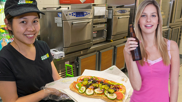 Scott Sloan - Drunk Woman's Freaky Sandwich Goes Viral After Subway Staff Takes Pic Of It