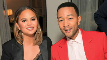 HollywoodHashtag - Chrissy Teigen & John Legend ROAST Trump After He Attacks Them On Twitter