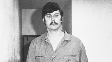 Weird News - The Voice Behind Many Bestselling Books On Tape Is Actually A Serial Killer