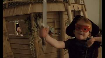 Tim Palmer - Dad Builds Awesome Indoor Tree House For His Kids!