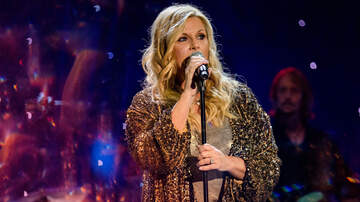 Photos - 19 Sparkling Shots Of Trisha Yearwood [See These Dazzling Photos]